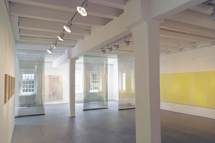 Tinted Flakes - Exhibition view at Kunstverein Unna, image: Annette Wesselng